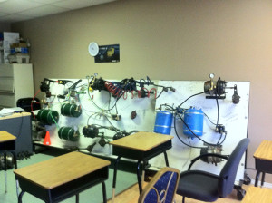 Q endorsement airbrake instruction course classroom including airbrake model.